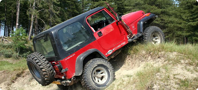 Learn to drive 4x4 Jeeps off-road